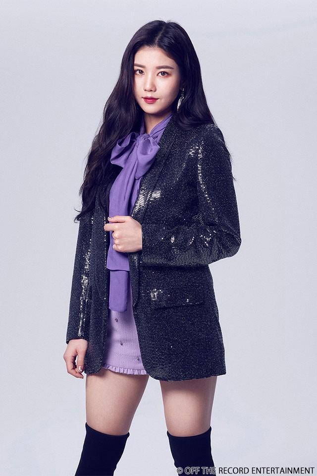 아이즈원의 묵직한 리더 - 권은비